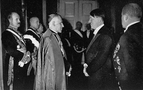 Adolf-Hitler-Meeting-with-Pope-Pius-XI