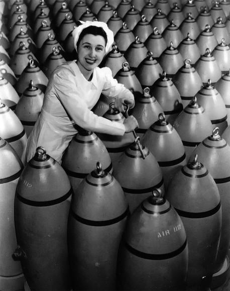 1940s WW2 bomb production