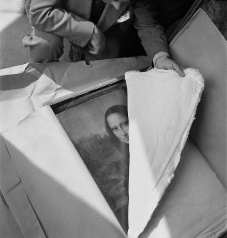 Da-Vinci's-Mona-Lisa-is-returned-to-the-Louvre-after-WWII