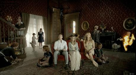 the harmons and friends american horror story 33310384 1600 880 [Critique série] AMERICAN HORROR STORY   Saison 1