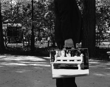 the-mirror-suitcase-man-09