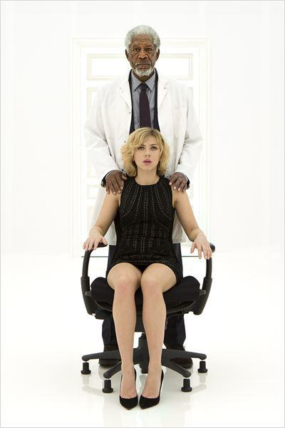 Lucy : Photo Morgan Freeman, Scarlett Johansson