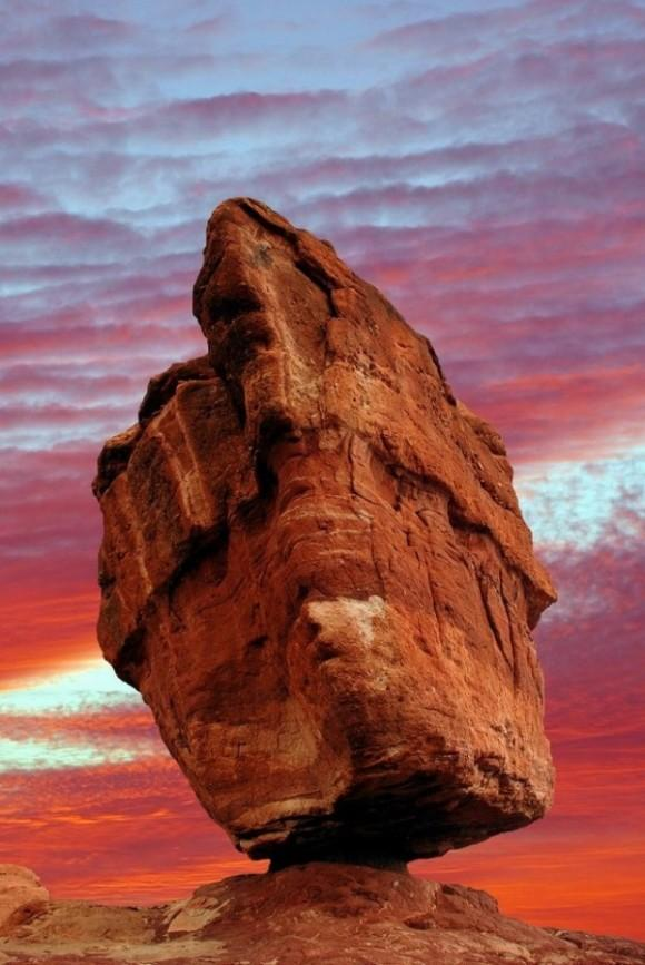 Balanced Rock in the Garden of the Gods – Colorado Springs, Colorado