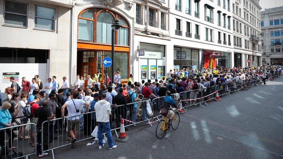 Sortie de l'iPhone 6 : files d'attente et record de vente battu