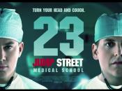 """affiches toutes suites Jump Street"""" générique fin."""
