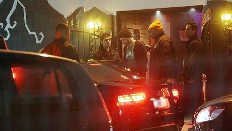 Photos: Justin à la sortie d'un club (07/10/2014)