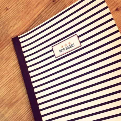 J'avais choisi ce carnet là en début d'année, mais il est à peine entamé alors qu'on est en octobre... (c) D'Une île à Paris