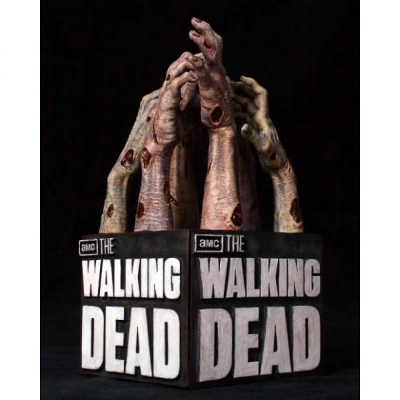 gentle-giant-serres-livres-walking-dead