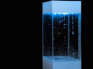 Le gadget qui buzze au Japon, c'est le Tempescope, une sorte d'aquarium qui recrée les conditions météo extérieures à l'intérieur de votre salon.