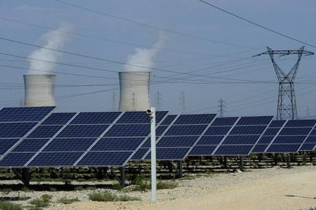 Production électrique mondiale : le nucléaire deux fois plus faible que les énergies renouvelables