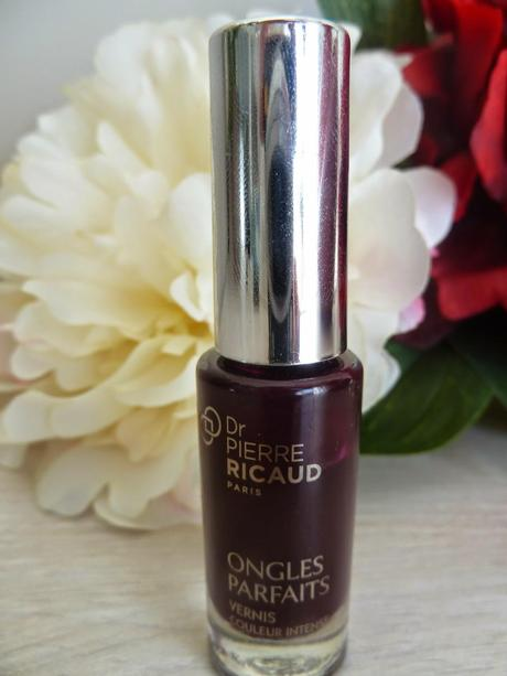Maquillage ensorcelant avec cerise noire - Dr Pierre RICAUD