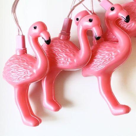 Idée de déco pour chambre d'enfants : à fond les flamands roses !