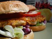 Burger poulet pané chips saveur chèvre piment d'Espelette