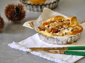 Tartelettes potimarron poire, crème chèvre brisures châtaignes grillées