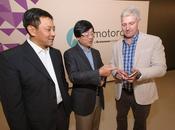 MONDE ÉCONOMIE Lenovo® rachète Motorola géant internet Google