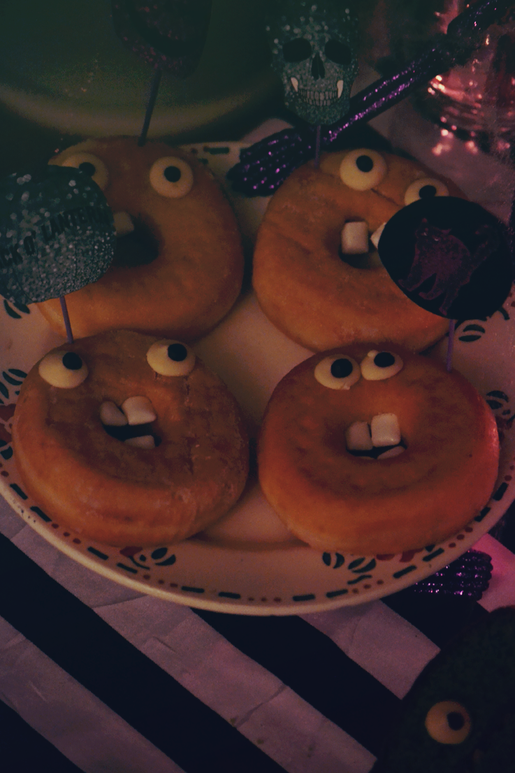 halloween sweet table donuts monster