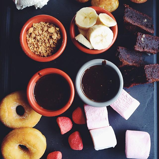 october insta chocolate fondue