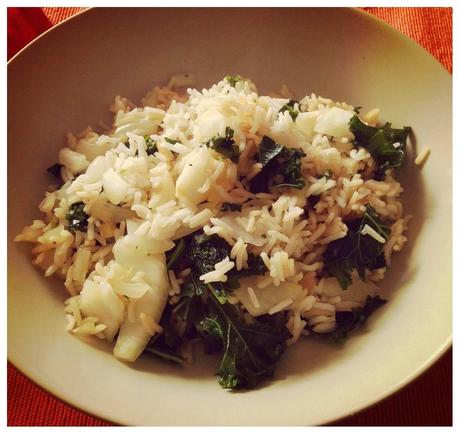 Riz sauté au kalé, sauce soja et ricotta.