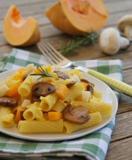 Pâtes aux champignons, crème de potiron et conté