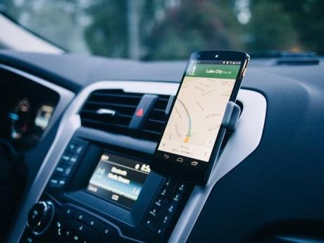 Support Auto iPhone 6 Plus: Kenu Airframe+ au top