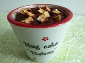 cake brownie hyperprotéiné chocolat avec éclats noisettes cubes pommes (sans sucre, beurre, jaunes d'oeufs)
