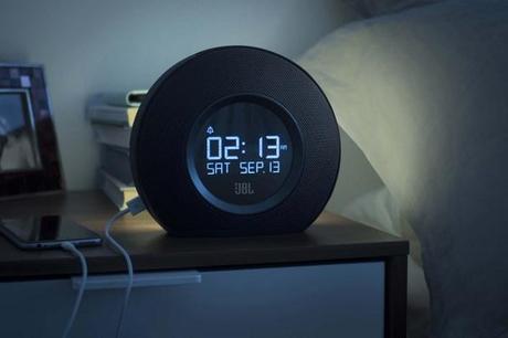 Enceinte JBL Horizon pour se réveiller en musique et en lumière