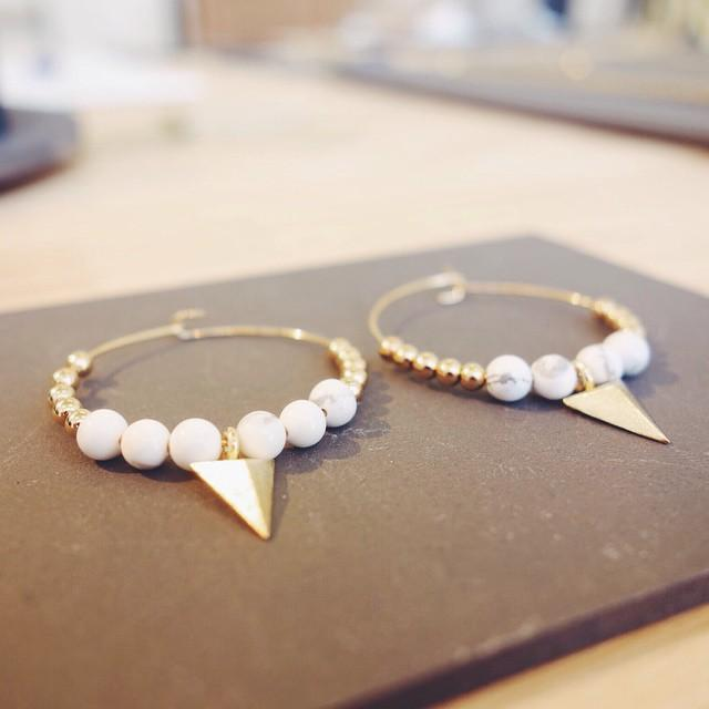 Sweet earrings #jewel #jewellery #bijoux #designer #createur #mode #mdm #lille #roubaix #shop #gemstones #howlite #gold #creoles #tendance #accessories #ring #boheme