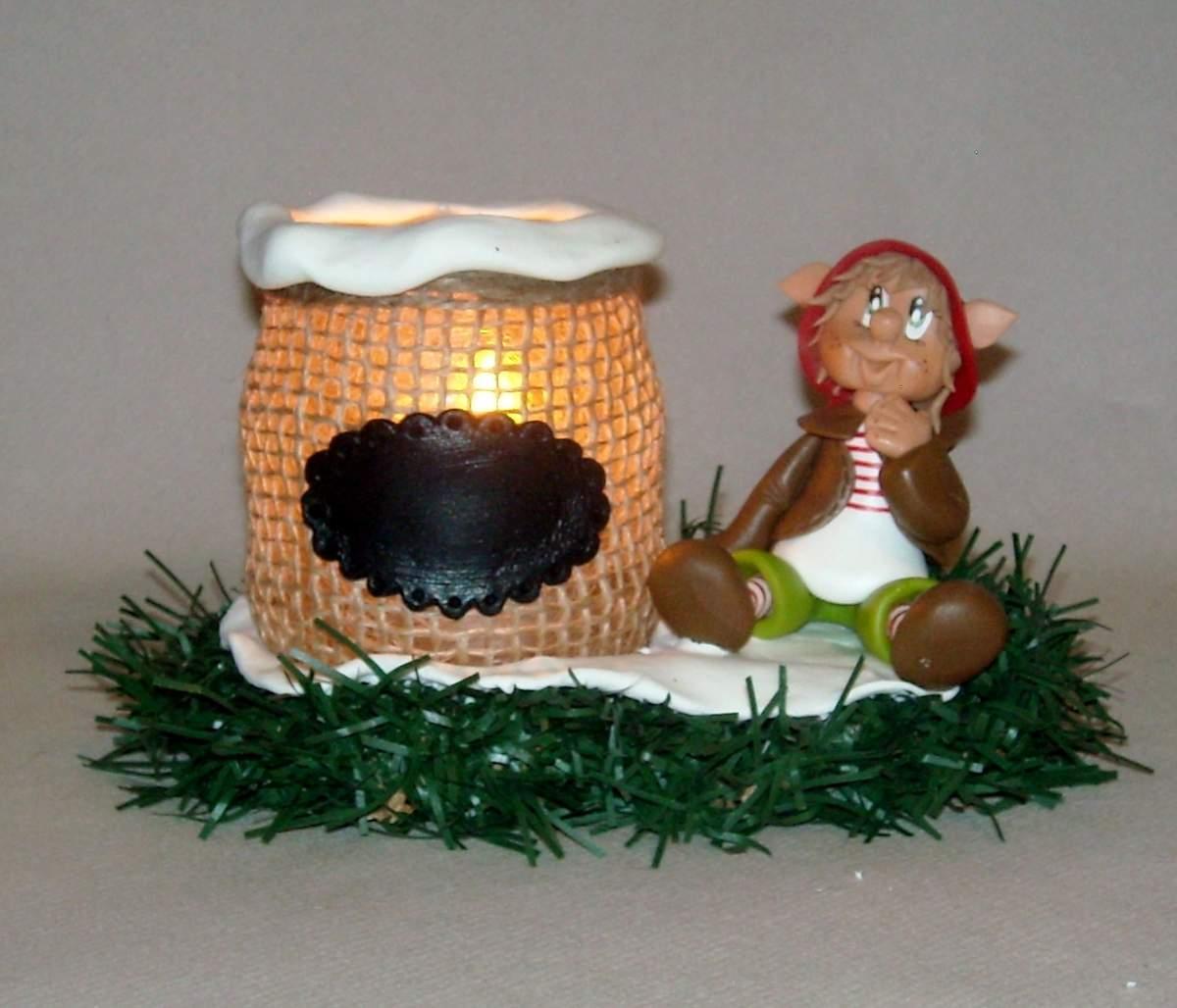 Porte-bougie avec Lutin de Noël réalisé en porcelaine froide - Paperblog