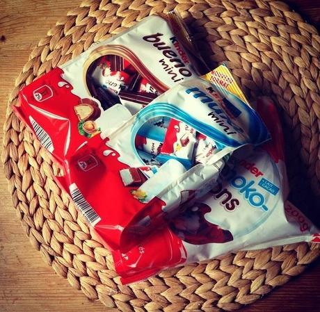 Du beau papier de chez Hema et du bon chocolat (les 3/4 pour nous)