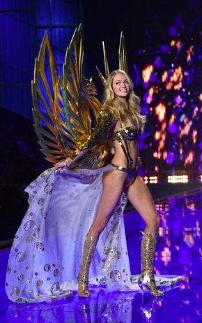 From Earls Court Exhibition Centre in London, le Défilé Victoria's Secret 2014...