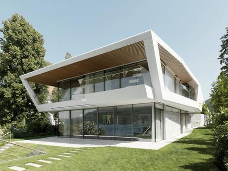 Maison-navire à l'architecture futuriste