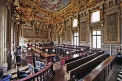 Nom à particule et excès de pouvoir: l'arrêt de la Cour de Cassation du 5 novembre 2014