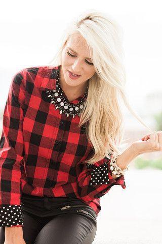aaeb5f4a7eb59459e805c8ea1d2e3805 4 façons tendance de porter la chemise à carreaux