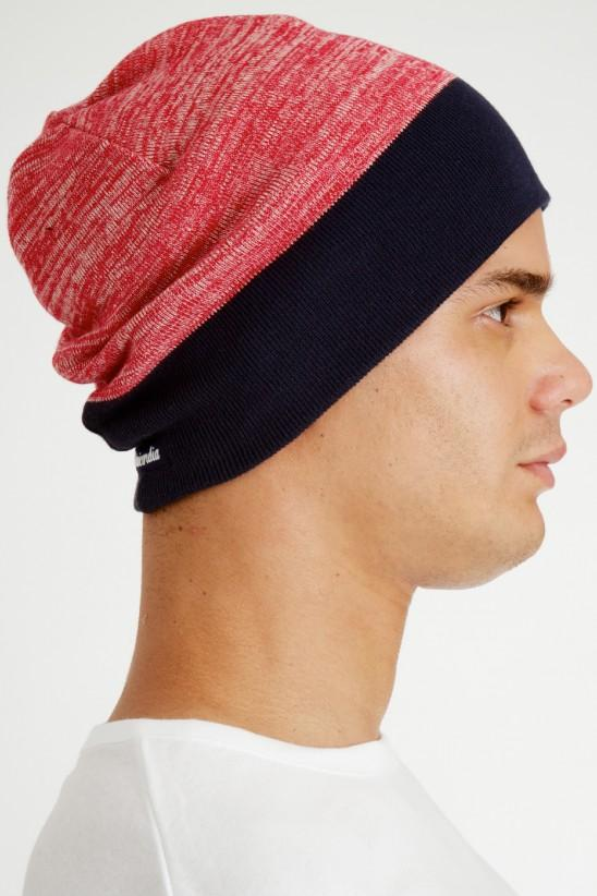 Bi color beanie, red and black.
