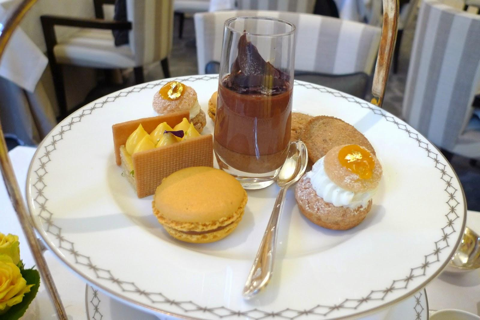 L'afternoon tea du Peninsula