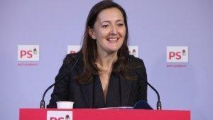 Conférence de presse de Karine Berger suite à présentation du projet de loi pour la croissance et l'activité par Manuel Valls et Emmanuel Macron.