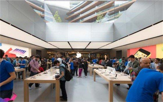 Apple Store Istanbul 2