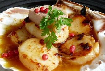 Coquilles De St Jacques Poelees Sauce Au Foie Gras Paperblog
