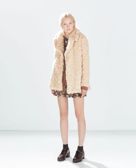 Le manteau de (fausse) fourrure, la tendance de l'hiver À Lire