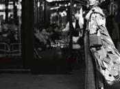 Mode AfterDark, Gisele Bündchen pose pour Lagerfeld