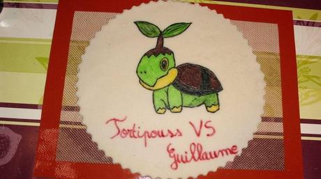 Dessin de TORTIPOUSS ( Pokemon ) en feutres alimentaire sur Pâte d'amande ,pour les 7 ans de mon fils