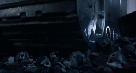 Terminator-crânes sous chenilles