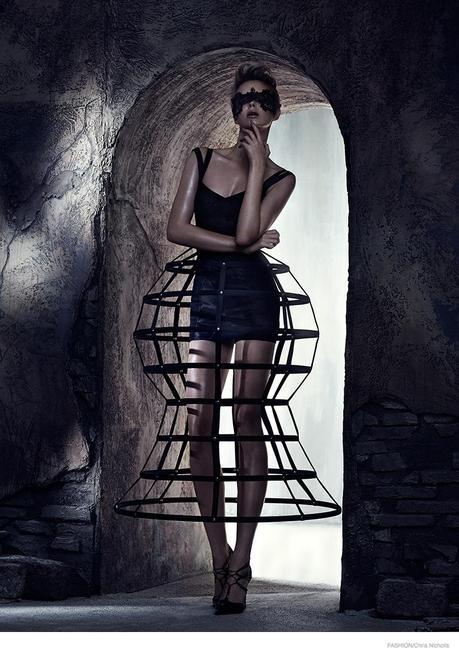 La top modèle Masha, superbe pour le Fashion Magazine