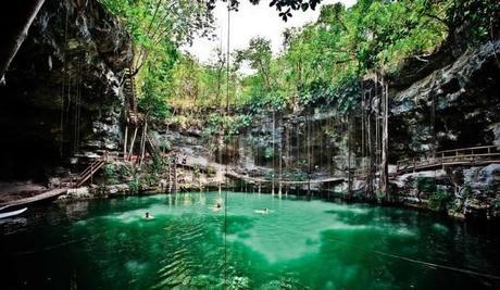 Le cenote X'canché, à proximité du site archéologique Ek Balam, au nord de Valladolid.