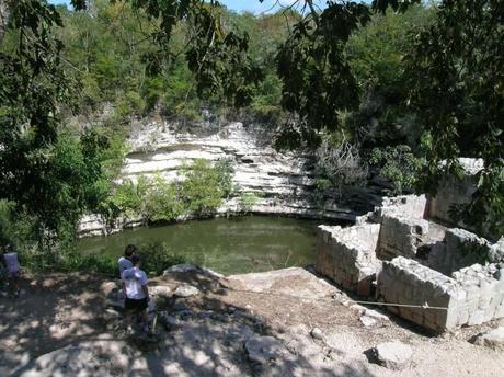 Cenote-sacrifices-Xtoloc-Chichen-Itza