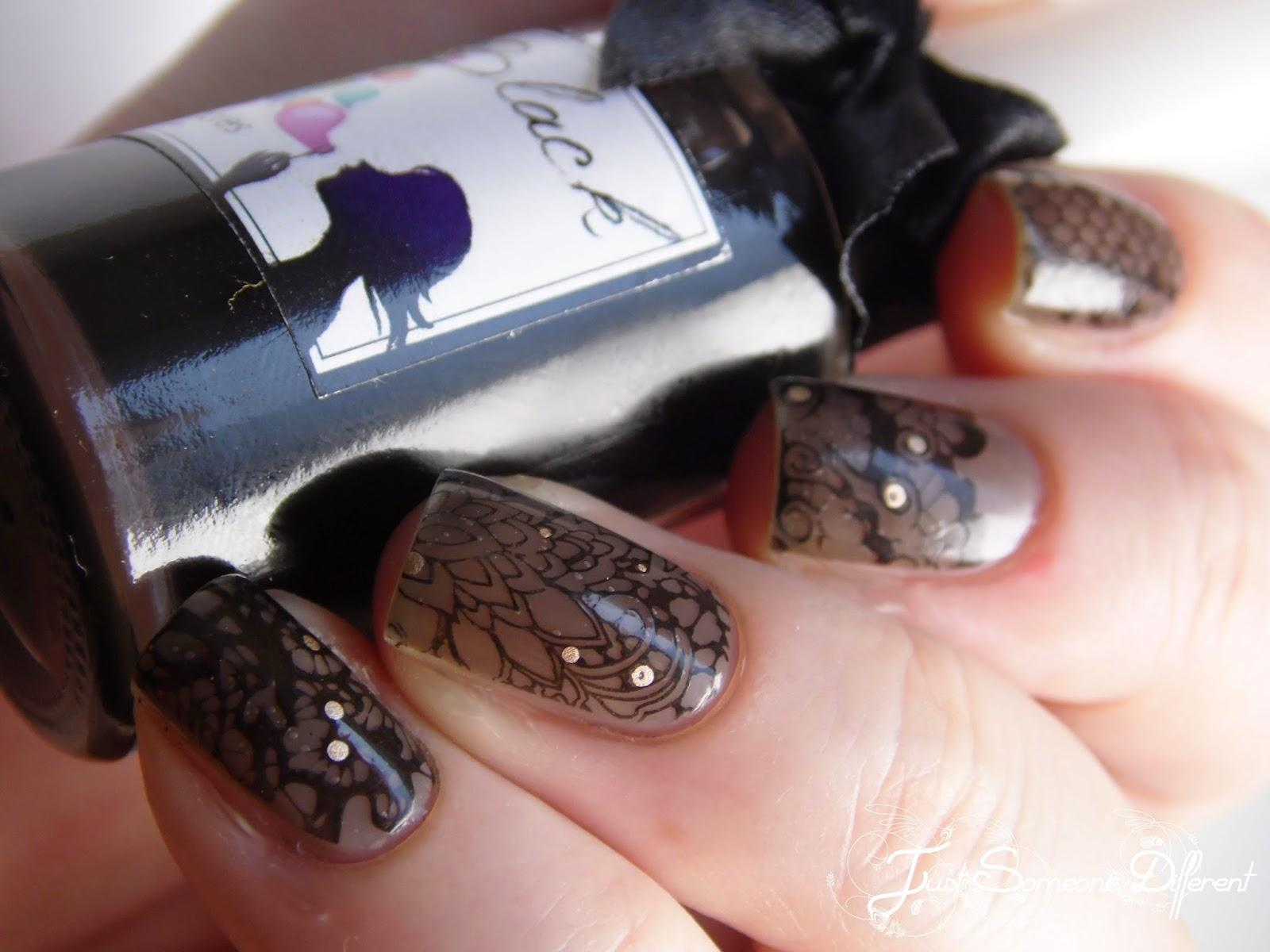 Lace stamping: Welcome to the Moulin Rouge!
