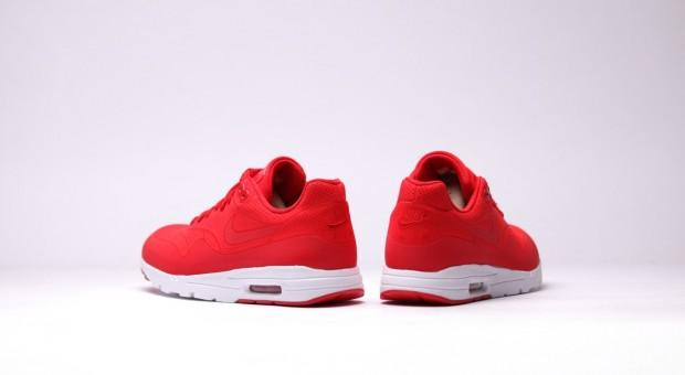 nike-air-max-1-ultra-moire-univerrsity-red-look