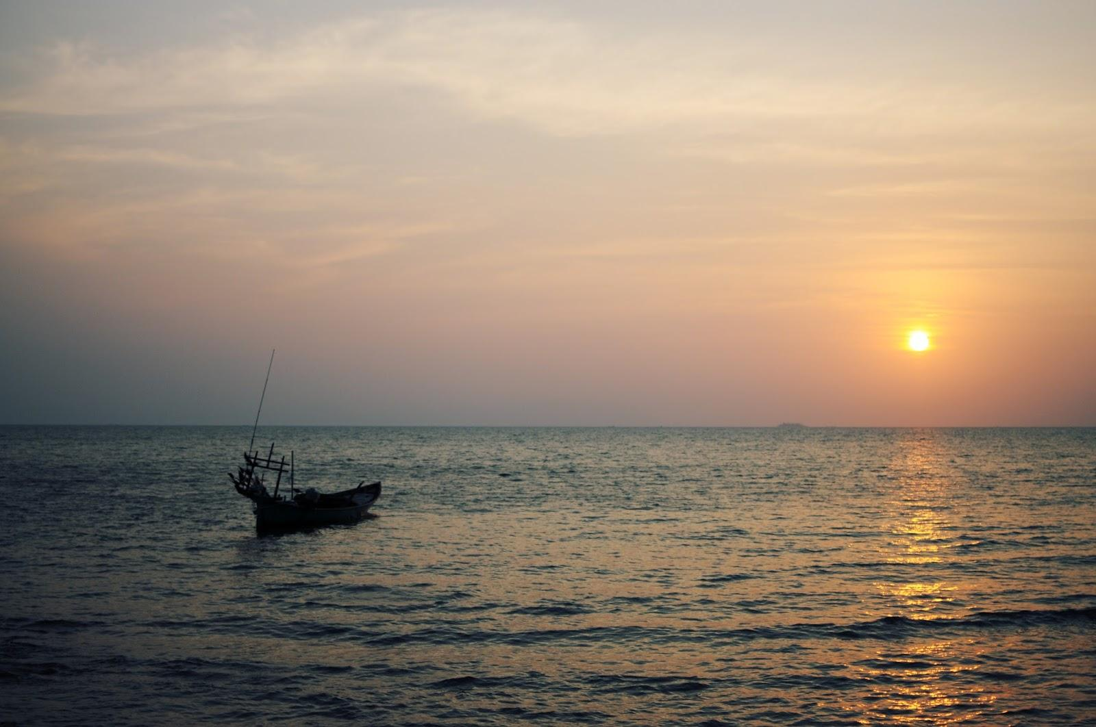 Sunset au Crab Market, Kep