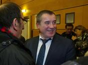 POLITIQUE Législative partielle camarade socialiste Frédéric Barbier annonce victoire avec quelques voix...