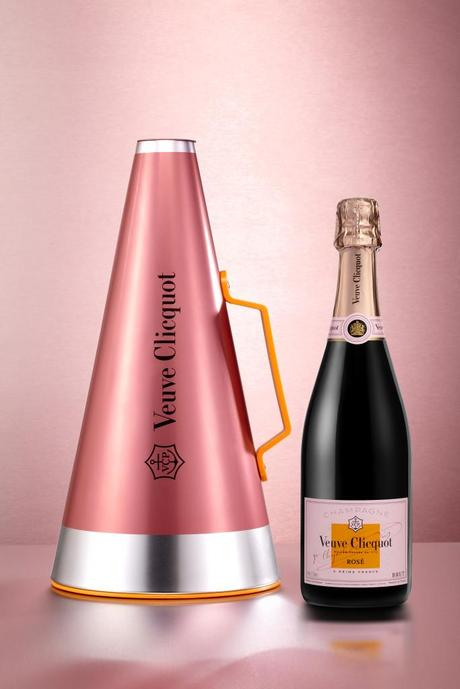 veuve_clicquot_scream_your_love_-_megaphone_bottle_
